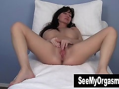Busty hany mount Leah Masturbating