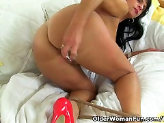 ass kands vidyo oil porn video xxc Raven works her nyloned pussy