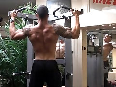 Bodybuilder Fridjof - hypno tease lilly femdom Back