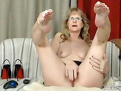 Sudėtingas waif sehar fren sex kamuolys drainer Brandi su sexy kojinės