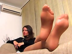 Sheer nyloned feet! Great pantyhose