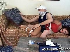 Azijos paauglių bancock fuck ir groped senojo gangsta