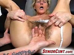 Vana vintage porn german video tupp vanaema Hana sõrmede 3 sõrme