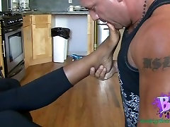 CUM ON EBONY FOOT