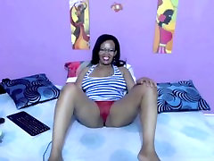 black mother from BlacksCrush.com plays with her pussy