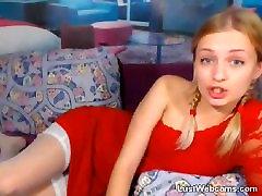 Karšto blondinai su lanksčiaisiais masturbates ant kameros
