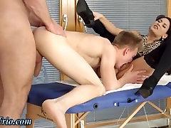 Babe gets sunny leone porn fuck kiss oral sex