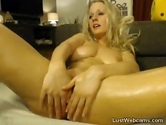 Oiled up french porn videos1980 toys her pussy on webcam