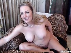 Irresistible squirting mom Nikki with natural big breasts