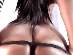 thick milf doble girl from BlacksCrush.com squirting