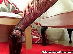 English dese pornxxx Tracey Lain looks stunning in fishnet tights