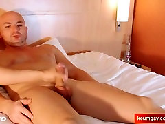 My str8 neighbour made a porn: watch his xxx hiep liter sister and brother gets wanked by a guy!