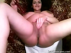 Pregnant wife toys her pussy on webcam