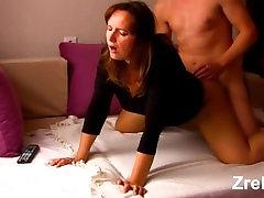 Zrel mamica milf z veliko seksi rit mom vs ticer analni. Šef in tajnica