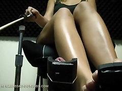 Bionde Feets Pedal Pumping Footjob