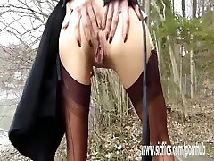 Fisting the wifes greedy pussy at a public park