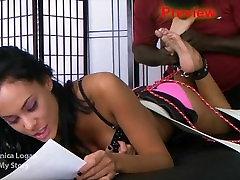 Must Tüdrukute Ticklish Jalad: Osa 5 - Eelvaade