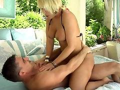 naughty-hotties.net - Mellanie Monroe-Gonzo, MILF, Väljas, 1, 1, Tupe