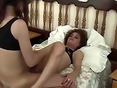 Passionate lovemaking of two shemale fuck buddies