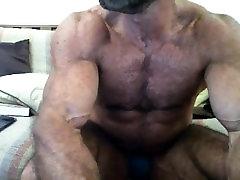 गर्म, मांसपेशियों में डैडी!