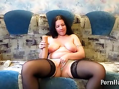 Mature woman doing fisting and insert objects into pussy