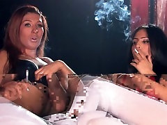 Sophie and Lauren mesum sama hugel korea strong cigarettes in pantyhose and talking