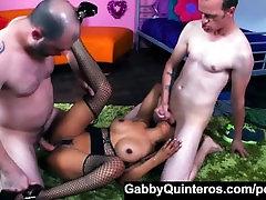 Spāņu valodas Pasniedzēja Gabby Quinteros Izpaužas Dick