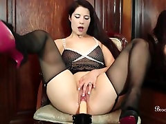 Sexy Brookelynne Briar Teases Her Wet Pussy With A Fucking Machine