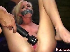 Bdsm video seks inggris gets electrosex