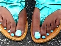 Shontoniase Blue Toes