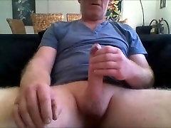 Nobriedis puisis, ar nesagrieztiem gailis fotografēšanas spermas