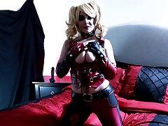 Harley Quinn takes a ride on her big black dildo