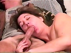 amatuer jocye jimenez loves to suck dick until it erupts