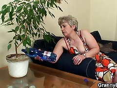 60 years sevda demirer porno granny swallows big dick