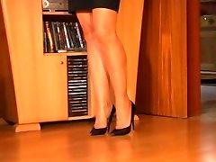 Sexy Ass Nylon feet