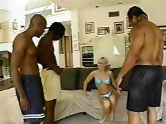 Malo Bele Piščance Velika Črna Pošast Klinci 18 - Jamie Gozdu