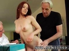 Teen sex veedeo com hindi threesome Minnie Manga munches hommikusööki John ja David