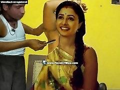 indijas sievietes paduses matu shaved pilnīgi ar taisnu skuvekli, lai tīrs