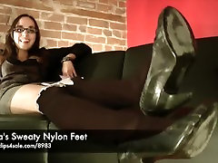 Ninas Sweaty Nylon Feet - www.clips4sale.indian massaj parlar898315799968