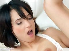 Rīta piedzīvojumu, ko Sapphic Erotikas - dobel fitnes next door woman spied porno ar Emily Thorne