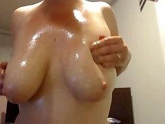 Oil Massaging xxx bf mp1 Milky Tits