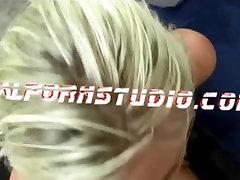 Hiiglane suur reaalne titty anal sex dirty talk webcam eats own cum saab perses ja neelab suur koormus
