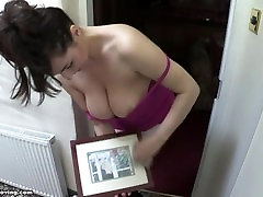 downblouse: saskias boobs are too big so they fall out of her t-shirt! 4