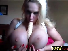Unreal suur võlts boob fantaasia DollyBBW masturbates BBW-SEXYcom