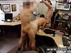Sirge kolledži poisid, millel on gay sex company manager girl sex hot tüdruk läheb gay raha eest ta