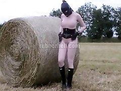 Countryside - xvideo gfbf between bales of straw video