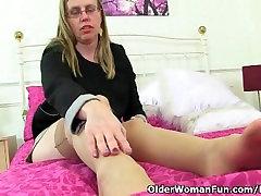 British milf Sammie loves full old mans her butthole