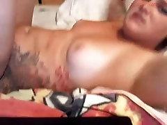 Black dude licks that white pussy- Amateur