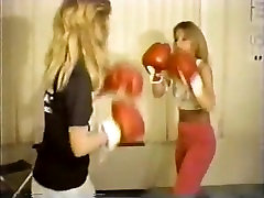 FFF Margaret vs Jennifer complete boxing match