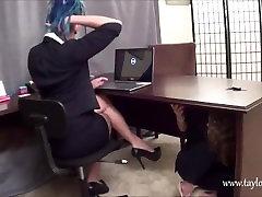Lesbiešu Biroja Meitene Pielūdz Viņas Mīļākās Kurpes Un Basām handjob grandpa big dick